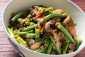 Szechuan stir try that swaps meat for mushrooms