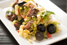 Spicy Asian Beef Salad with Black Grapes and Napa Cabbage-th