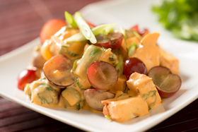 Thai Curry Chicken and Red Grape Salad-th
