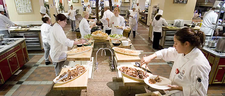 \Learn about the meal plan at culinary school at CIA's California campus