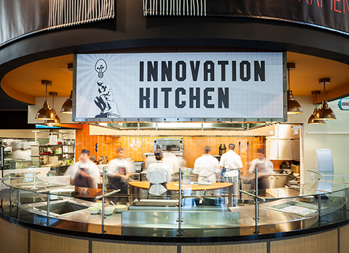 The Innovative Kitchen with the student-run restaurant team from the Intrapreneurship concentration